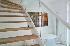 Aufgesattelte treppen sind holztreppen, bei denen die stufen auf den unterliegenden wangen aufgelegt beziehungsweise aufgedübelt sind. Handelsvertretung Grunwald Treppensysteme
