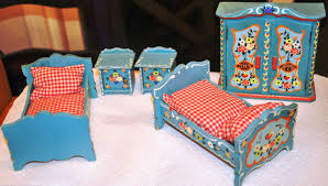 unfinished dollhouse furniture. With A Steady Hand And Acrylic Paints YOU Can Do This To Your Mini Kirsten\u0027s Furniture Or Any Basic Unfinished Doll House Furniture. Dollhouse N