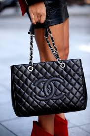 chanel quilted bag. chanel streetstyle | b a g s \u0026 w l e t s♡ pinterest black leather, bag and facebook quilted