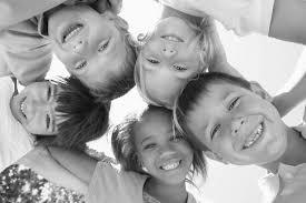 Enfant heureux : comment le rendre heureux et que faire pour l'élever  heureux ?