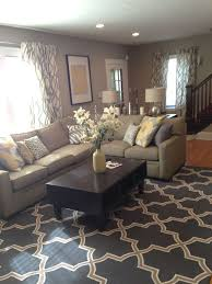 Simple living room. Super cute