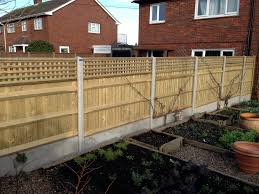 Decorative Fence Toppers Venetian Fencing And Trellis Fences In Kent