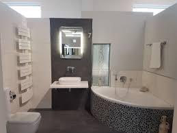 Eckbadewanne Kiesel Mosaik Hängende Toilette Bad Baupark Mainz