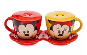 Collectible mugs and more at disney store. Disney Salt And Pepper Shakers Mickey And Minnie Coffee Cups