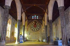 round table in castle hall winchester