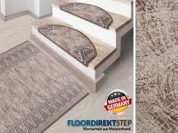 Die treppe spielt als verbindendes element zweier etagen in ihrem haus eine tragende rolle. Treppen Matte Rund Oder Eckig Hergestellt In Deutschland Schutzmatten Ch