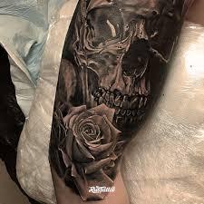 фото татуировки череп в стиле реализм черно белые татуировки на