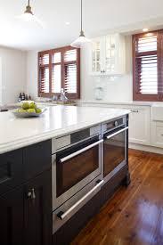 modern kitchen layouts. Splash Back Materials Modern Kitchen Layouts