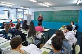 Resultado de imagem para Lei que permite aluno faltar por motivo religioso é sancionada por Bolsonaro