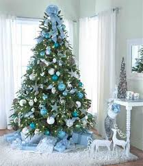 christmas-tree-ideas-01. The Blue and White ...