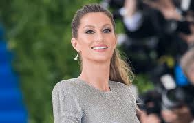 gisele bündchen is the first model to go makeup free for this major magazine cover