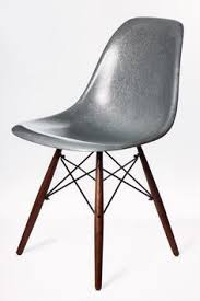 fiberglass shell chair krink color modernica la usa chair aac22 roble lacado