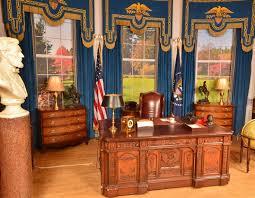 replica jfk white house oval office. replica presidential oval office desk as seen with president john f kennedy warner jfk white house d