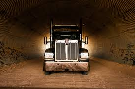 front of kenworth w990
