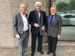 A Hong Kong lunch with two legends - The Moodie Blog