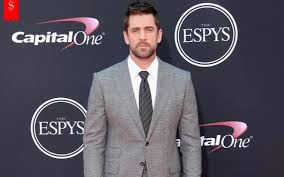 The green bay packers quarterback is unmarried at present and isn't in a confirmed relationship. How Much Is Aaron Rodger S Net Worth Estimated To Be In 2018 Details About His Net Worth In 2016 And 2017