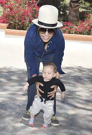 Sara Gilbert and Linda Perry Reportedly Don't Hate Each Other & Are  Committed to Co-Parenting Their Son Rhodes