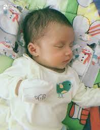 Bé trai ở Bến Tre gây sốt vì vừa sinh ra đã sở hữu chiếc mũi cao, góc  nghiêng hoàn hảo ai nhìn cũng tưởng lai Tây - Netizen - Việt Giải Trí