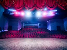 naturalistic movement in theatre theatre essay