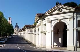 Diocesi di Vicenza - A Monte Berico la preghiera del Rosario si è fatta più  intensa