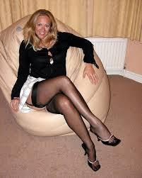 Free leg links mature nylons woman