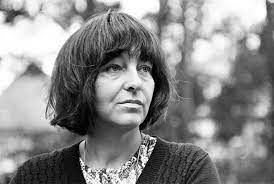 Born in vienna, austria in 1924, friederike mayröcker has written over 100 works of poetry and prose among children's books, librettos, and radio plays. R Iw5k 8atv20m