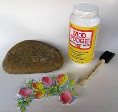 how to mod podge a design onto rocks