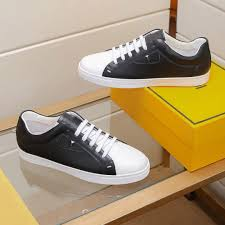 Designer Fashion Sneakers Luxury 2020 Mens Shoes Designer Fashion Sneakers Superstars Suede Leather Flat Peas Shoes Classic Casual Shoes High Quality T03 Designer Shoes White