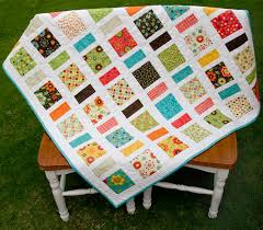 Best 25+ Charm pack patterns ideas on Pinterest | Quilt patterns ... & Best 25+ Charm pack patterns ideas on Pinterest | Quilt patterns, Baby quilt  patterns and Patchwork patterns Adamdwight.com