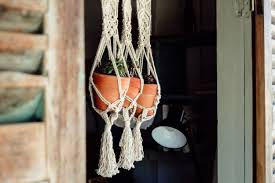 16 easy diy macrame plant hangers for