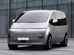 Hyundai Staria (2022) - pictures, information & specs
