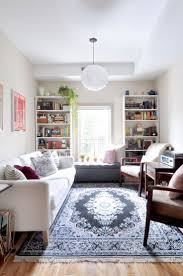 Living Room For Small Spaces 25 Best Ideas About Narrow Living Room On Pinterest Room Layout