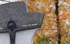 Kurze Grabsteinsprüche 30 Kurze Trauersprüche Für Grabsteine Auf