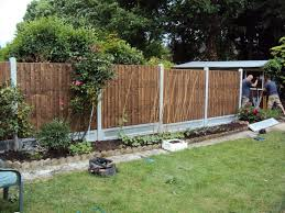 Garden Fence Panels Diy lattice fence design two neighbors diy yard