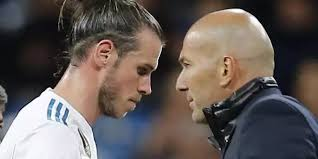 He continued with good performances in sports, not only in football but in rugby and hockey too. Bleibt Gareth Bale Nun Doch Bei Real Madrid