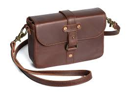 heritage cross purseversatile classice cross bag that wears the strap three ways