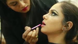 1 best makeup and hair styling academy in delhi