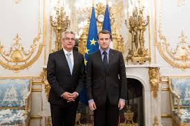 Embajador de... - Embajada de la República de Cuba en Francia   Facebook