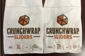 taco bell crunchwrap sliders sriracha en y beefy nacho review