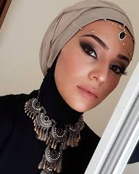 in today s post i would like to introduce to you the arabic makeup and style
