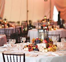centerpieces in diffe styles for round wedding tables