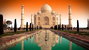 essay on taj mahal in words