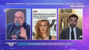 Isola dei Famosi - Daniela Martani da no-vax a... - Pomeriggio Cinque Video