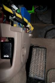 pic request fuse box acurazine acura enthusiast community remove the cover and you ll see the fuses