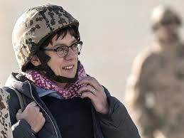 Deutschland will mehr afghanische bundeswehrhelfer aufnehmen. Afghanistan Kramp Karrenbauer Will Ortskrafte In Sicherheit Bringen Politik Esslinger Zeitung
