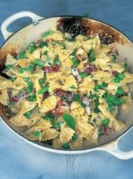farfalle with carbonara and spring peas