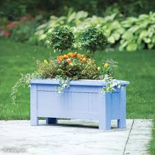 Flower box design Balcony 3season Planter Box Amazoncom 10 Plans For Planters And Trellises The Family Handyman