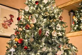 Fascinating Ideas To Decorate Your Christmas Tree 38 In Modern New Christmas Tree