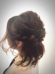 結婚式におすすめの髪型清楚で可愛らしいアップスタイルを長さ別にご