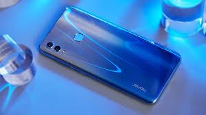 В России представлен <b>смартфон Honor 10 Lite</b>, названы цены ...